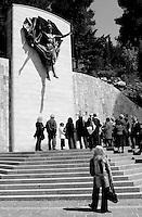 Italia, San Giovanni Rotondo (FG).<br /> Pendio del monte Castellano lungo la Via Crucis. <br /> Italy, San Giovanni Rotondo (FG). <br /> The slope of Mount Castellano along the Via Crucis.