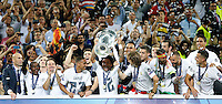 Calcio, finale di Champions League: Real Madrid vs Atletico Madrid. Stadio San Siro, Milano, 28 maggio 2016.<br /> Real Madrid&rsquo;s Marcelo holds up the Champions League trophy at the end of their final match against Atletico Madrid, at Milan's San Siro stadium, 28 May 2016. Real Madrid won 5-4 on penalties after the game ended 1-1.<br /> UPDATE IMAGES PRESS/Isabella Bonotto
