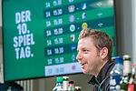02.11.2018, Weserstadion, Bremen, GER, 1.FBL, PK SV Werder Bremen<br /> <br /> im Bild <br /> Florian Kohfeldt (Trainer SV Werder Bremen) <br /> bei PK / Pressekonferenz vor dem Auswärtsspiel bei 1. FSV Mainz 05, <br /> <br /> Foto © nordphoto / Ewert