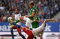 FUSSBALL   1. BUNDESLIGA   SAISON 2013/2014   6. SPIELTAG Hamburger SV - SV Werder Bremen                       21.09.2013 Clemens Fritz (SV Werder Bremen) gegen Marcell Jansen (Hamburger SV)  obenauf
