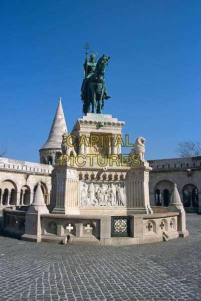 Fishermen?s Bastion and Saint Stephen?s (Szent Istvan) equestrian statue, Trinity Square, Castle Hill, Budapest, Hungary