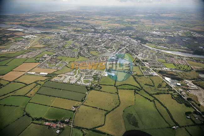 Aerial photograph of Drogheda and surrounding areas looking South East across the Boyne. 02/09/2005...Photo NEWSFILE/Fran Caffrey.(Photo credit should read Fran Caffrey/NEWSFILE)....This Picture has been sent you under the condtions enclosed by:.Newsfile Ltd..The Studio,.Millmount Abbey,.Drogheda,.Co Meath..Ireland..Tel: +353(0)41-9871240.Fax: +353(0)41-9871260.GSM: +353(0)86-2500958.email: pictures@newsfile.ie.www.newsfile.ie.FTP: 193.120.102.198...This picture is from Fran Caffrey@newsfile.ie
