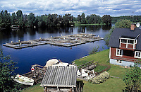 Sweden, Province Dalarna, Mora: fish farm at Siljan Lake | Schweden, Provinz Dalarna, Mora: Fischzucht am Siljan See