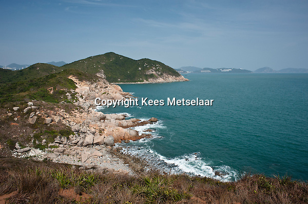 Hong Kong, Lamma Island, 14 March 2009 <br /> <br /> Pittoresque and wild bays and beaches on South Lamma.<br /> Het zuiden van Lamma Island is nog wild, leeg en pittoresque.<br /> <br /> Photo Kees Metselaar/ Hollandse Hoogte