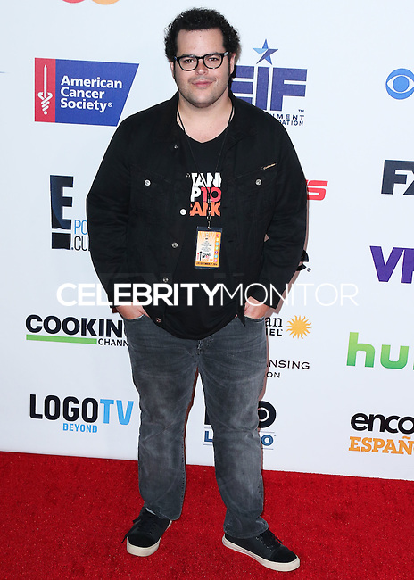 HOLLYWOOD, LOS ANGELES, CA, USA - SEPTEMBER 05: Josh Gad arrives at the 4th Biennial Stand Up To Cancer held at Dolby Theatre on September 5, 2014 in Hollywood, Los Angeles, California, United States. (Photo by Xavier Collin/Celebrity Monitor)
