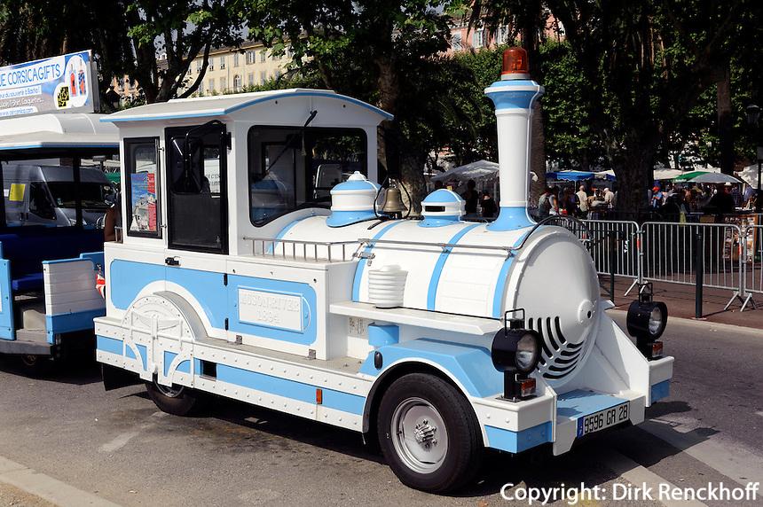 Touristenbahn auf der Place Saint Nicolas in Bastia, Korsika, Frankreich