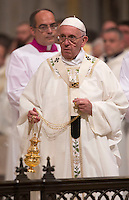 Papa Francesco celebra una messa nella solennita' della Dedicazione della Basilica di San Giovanni in Laterano, Roma, 9 novembre 2015.<br /> Pope Francis celebrates a mass for the <br /> Solemnity of the Dedication in St. John Lateran Basilica, Rome, 9 November 2015.<br /> UPDATE IMAGES PRESS/Riccardo De Luca<br /> <br /> STRICTLY ONLY FOR EDITORIAL USE