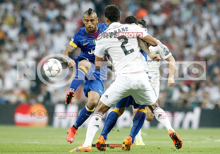 Real Madrid's Raphael Varane (b) and Juventus' Arturo Vidal during Champions League 2014/2015 Semi-finals 2nd leg match.May 13,2015. (ALTERPHOTOS/Acero) /NortePhoto.COM