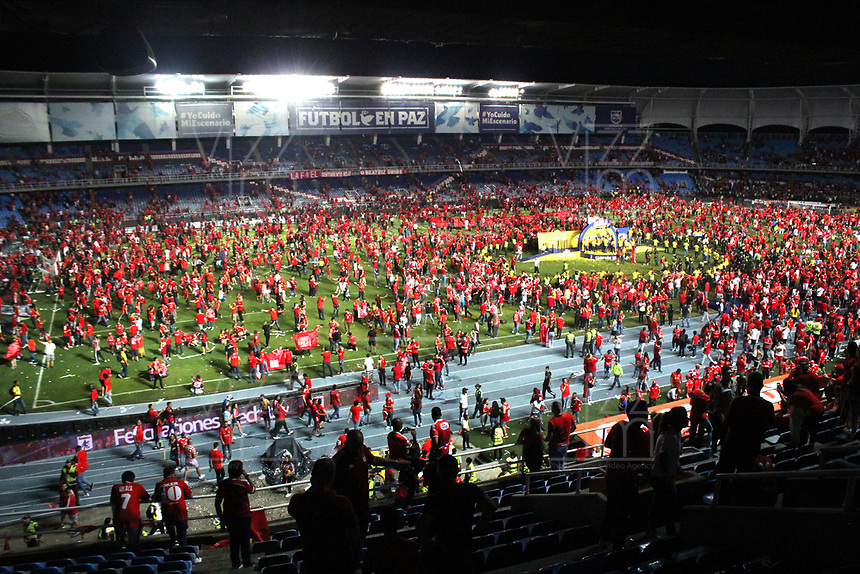 CALI-COLOMBIA , 07-12-2019. Jugadores del América de  Cali celebran después de ganar el campeonato nacional de fútbol de Colombia La Liga Aguila II 2019 al vencer Atlético Junior durante partido por la final de la Liga Águila II 2019 jugado en el estadio Pascual Guerrero de la ciudad de Cali./   Players of America de Cali  celebrate  after winning the Liga Aguila II 2019 final football match by defeating Atletico Junior  during the final match for the Aguila League II 2019 played at Pascual Guerrero stadium in Cali city. Photo: VizzorImage/ Felipe Caicedo / Staff