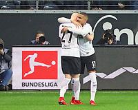 celebrate the goal, Torjubel zum 1:0 von Kevin-Prince Boateng (Eintracht Frankfurt) mit Marius Wolf (Eintracht Frankfurt)- 26.01.2018: Eintracht Frankfurt vs. Borussia Moenchengladbach, Commerzbank Arena