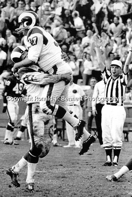 Rams vs. Giants football, Fine Art Photography by Ron Bennett, Fine Art, Fine Art photography, Art Photography, Copyright RonBennettPhotography.com ©