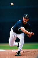 Ken Cloud of the Seattle Mariners participates in a Major League Baseball Spring Training game during the 1998 season in Phoenix, Arizona. (Larry Goren/Four Seam Images)
