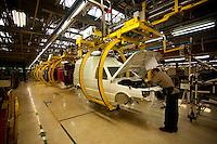 Betim_MG, Brasil...Linha de producao da FIAT em Betim, Minas Gerais. Na foto montagem do Fiorino...The production line FIAT in Betim, Minas Gerais. In this photo the car Fiorino...Foto: LEO DRUMOND / NITRO