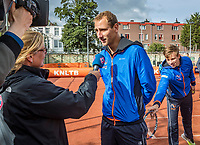 The Hague, The Netherlands, September 13, 2017,  Sportcampus , Davis Cup Netherlands - Chech Republic, Streettennis with Thiemo de Bakker (NED)<br /> Photo: Tennisimages/Henk Koster