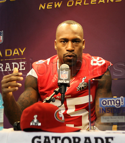 29.01.2013. New Orleans, USA.  San Francisco 49ers tight end Vernon Davis (85) during 49ers Media Day at Mercedes-Benz Superdome in New Orleans, LA.
