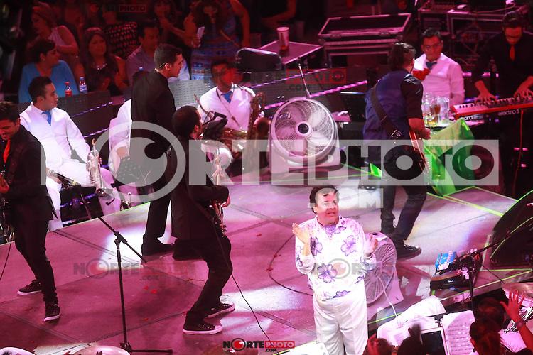 El cantante de m&uacute;sica popular mexicana Juan Gabriel ofreci&oacute; una noche de concierto en el redondel de el palenque de la expongan.<br /> 11/jun/2015<br /> TodosLosDerechosReservados<br /> FOTO:LuisGutierrez