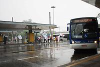 SAO PAULO,SP - 05.11.14 - PROTESTO/MOTORISTA - a.Terminal Dom Pedro II. O Sindicato dos Motoristas e Trabalhadores em Transporte Rodoviário Urbano (Sindmotoristas)  interrompe a circulação dos ônibus da capital paulista nesta quarta-feira (5), entre 10h e 14h, para protestar contra a violência enfrentada pela categoria nos coletivos.( Foto: Aloisio Mauricio / Brazil Photo Press )