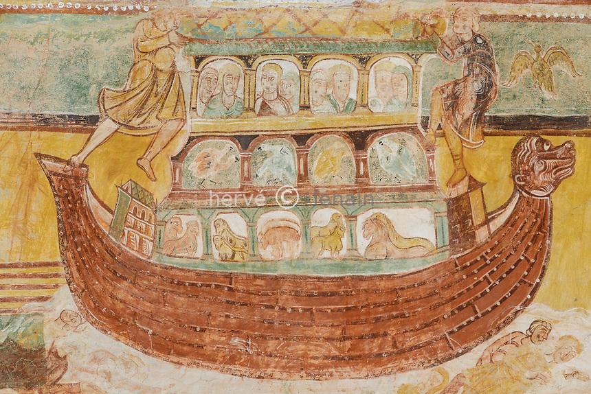 France, Vienne, Saint-Savin-sur-Gartempe, Saint Savin abbey church listed as World Heritage by UNESCO, murals paintings, Noah's Ark // France, Vienne (86), Saint-Savin-sur-Gartempe, église abbatiale de Saint-Savin-sur-Gartempe classée Patrimoine Mondial de l'UNESCO, peintures murales, L'Arche de Noé