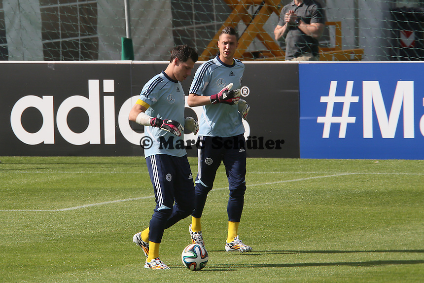 Marius Müller und Odisseas Vlachodimus (u20) - Testspiel der Deutschen Nationalmannschaft gegen die U20 zur WM-Vorbereitung in St. Martin