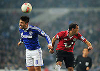 FUSSBALL   1. BUNDESLIGA   SAISON 2012/2013    18. SPIELTAG FC Schalke 04 - Hannover 96                           18.01.2013 Ciprian Marica (li, FC Schalke 04) gegen Sergio Pinto (re, Hannover 96)