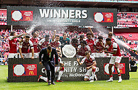 Arsenal v Chelsea FA Community Shield Arsenal players celebrate with the Community shield during the FA Community Shield match at Wembley Stadium, London <br /> Foto  Liam McAvoy/FocusImage/Imago/Insidefoto