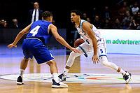 GRONINGEN - Basketbal, Donar - Den Helder, Dutch Basketbal League, seizoen 2019-2020, 09-02-2020,  Donar speler Leon Williams met Den Helder speler Nino Gorissen