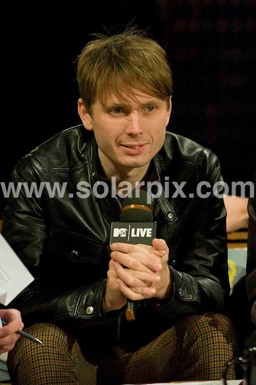 "**ALL ROUND PICTURES FROM SOLARPIX.COM**.**SYNDICATION RIGHTS FOR UK, SPAIN, PORTUGAL, AUSTRALIA, S.AFRICA & DUBAI (U.A.E) ONLY**.Franz Ferdinand visit MTV Canada ""MTV Live"". filmed at the Masonic Temple, Toronto, Canada. 5th December 2008..This pic: Alex Kapranos from Franz Ferdinand..JOB REF: 8109 PHZ (Wong)    DATE: 05_12_2008.**MUST CREDIT SOLARPIX.COM OR DOUBLE FEE WILL BE CHARGED* *UNDER NO CIRCUMSTANCES IS THIS IMAGE TO BE REPRODUCED FOR ANY ONLINE EDITION WITHOUT PRIOR PERMISSION*"