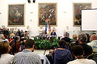 Virginia Raggi e Daniele Frongia in conferenza stampa<br /> Press conference of the Mayor Virginia Raggi<br /> Roma 21-09-2016 Campidoglio. Incontro tra il sindaco di Roma ed il Presidente del CONI per le Olimpiadi del 2024.<br /> Rome 21st September 2016. Meeting for the Olympic Games of 2024.<br /> Photo Samantha Zucchi Insidefoto