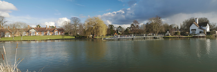 Panoramic view of River Thames upstream of Goring weir in Oxfordshire, Uk