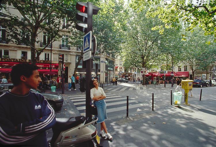 Paris, France, Boulevard Saint Michel, Street scene, Left Bank, 6th Arrondissement, Europe, Woman leaning..