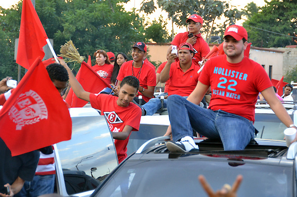 Desfile de celebración de los Leones del Escogido, campeones del torneo de baseball invernal 2012-2013..Foto: Ariel Díaz-Alejo/acento.com.do.Fecha: 25/01/2012.