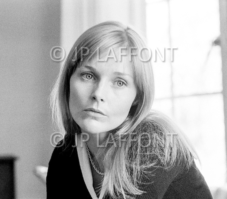 May 1972, Hollywood, Los Angeles, California, USA --- American actress Carol Lynley at the Chateau Marmont Hollywood Hotel. --- Image by © JP Laffont