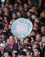 Fussball  1. Bundesliga  Saison 2015/2016  29. Spieltag  VfB Stuttgart  - FC Bayern Muenchen    09.04.2016 FC Bayern Muenchen Fans mit Meisterschale im Gaestefanblock der Mercedes Benz Arena
