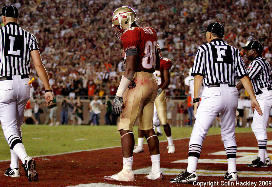 TALLAHASSEE, FL 9/7/09-FSU-MIAMIFB09 CH54-Florida State's Jarmon Fortson reacts after the officials rule his catch incomplete on the last play of the game against Miami, Monday at Doak Campbell Stadium in Tallahassee. The Seminoles lost to the Hurricanes 38-34...COLIN HACKLEY PHOTO