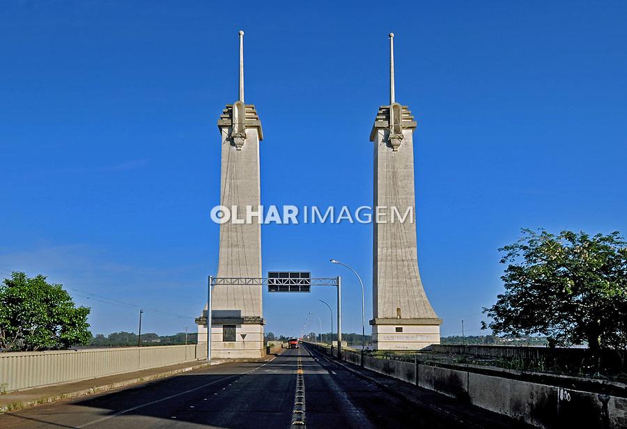 Ponte internacional Agustin Justo sobre o rio Uruguai em Uruguaiana. Rio Grande do Sul. 2009. Foto de Zig Koch.
