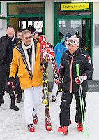 09.02.2013, Planai, Schladming, AUT, FIS Weltmeisterschaften Ski Alpin, Abfahrt, Herren, im Bild Hollywoodstar Kevin Costner und Peter Schroecksnadel, OeSV- Praesident // Hollywoodstar Kevin Costner with Peter Schroecksnadel, President of OeSV before the mens Downhill at the FIS Ski World Championships 2013 at the Planai Course, Schladming, Austria on 2013/02/09. EXPA Pictures © 2013, PhotoCredit: EXPA/ Johann Groder .Schladming 9/2/2013 .Mondiali Sci 2013.Discesa Libera Uomini .Foto Insidefoto - ITALY ONLY