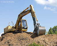 0713-1102  Backhoe (back actor, rear actor), Excavating Equipment  © David Kuhn/Dwight Kuhn Photography