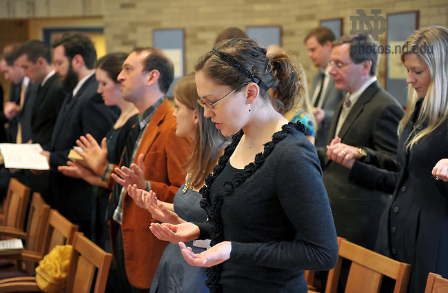 Mar. 25, 2011; MDiv students and faculty gather for a prayer service in Malloy Hall...Photo by Matt Cashore/University of Notre Dame