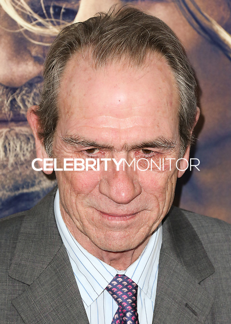 HOLLYWOOD, LOS ANGELES, CA, USA - NOVEMBER 11: Actor Tommy Lee Jones arrives at the AFI FEST 2014 - 'The Homesman' Gala Screening held at the Dolby Theatre on November 11, 2014 in Hollywood, Los Angeles, California, United States. (Photo by Xavier Collin/Celebrity Monitor)