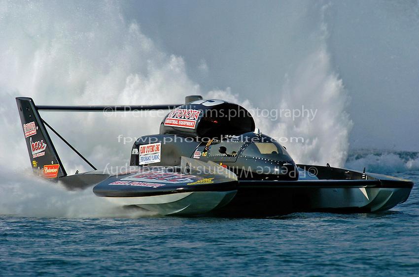"Dr. Ken Muscatel, U-25 ""Superior Racing"""