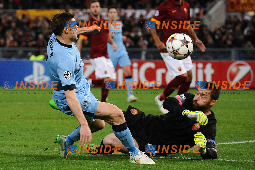 Morgan De Sanctis Roma saves on James Milner Manchester <br /> Roma 10-12-2014 Stadio Olimpico, Football Champions League Group Stage Group E . AS Roma - Manchester City. Foto Andrea Staccioli / Insidefoto