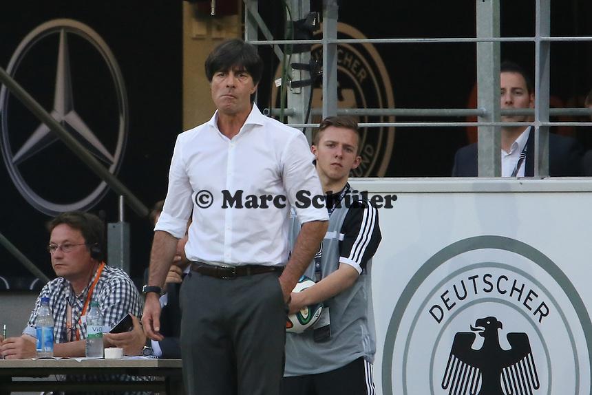 Bundestrainer Joachim Löw (D) unzufrieden - Deutschland vs. Armenien in Mainz