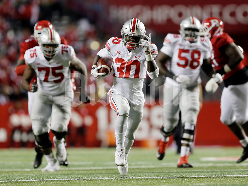 Ohio State Buckeyes running back Demario McCall (30) scores on a 48-yard touchdown run during the fourth quarter of the NCAA football game against the Rutgers Scarlet Knights at Highpoint Solutions Stadium in Piscataway, New Jersey on Sept. 30, 2017. [Adam Cairns / Dispatch]
