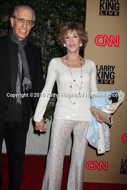 LOS ANGELES - DEC 16:  Jane Fonda arrives at CNN's 'Larry King Live' final broadcast party at Spago on December 16, 2010 in Beverly HIlls, CA.