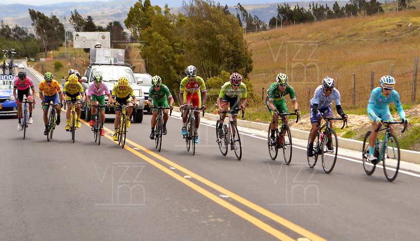 BOYACA - COLOMBIA: 09-09-2016. Aspecto del lote de ciclistas durante la tercera etapa de la 38 versión de la vuelta Ciclista a Boyaca 2016 que se corre entre Duitama y Sachica. La prueba se corre entre el  7 y el 11 septiembre de 2016./ Aspect of the cyclists' peloton during the third stage of the Vuelta a Boyaca 2016 that took place between villages of Duitama y Sachica. The race is held between 7 and 11 of September of 2016 . Photo:  VizzorImage/ José Miguel Palencia / Liga Ciclismo de Boyaca