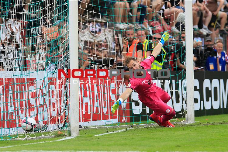 11.08.2019, Stadion Lohmühle, Luebeck, GER, DFB-Pokal, 1. Runde VFB Lübeck vs 1.FC St. Pauli<br /> <br /> DFB REGULATIONS PROHIBIT ANY USE OF PHOTOGRAPHS AS IMAGE SEQUENCES AND/OR QUASI-VIDEO.<br /> <br /> im Bild / picture shows<br /> Einzelaktion/Aktion. Ganze Figur. Einzeln. Freisteller.  Torwart Robin Himmelmann (FC St. Pauli)<br /> <br /> Foto © nordphoto / Tauchnitz