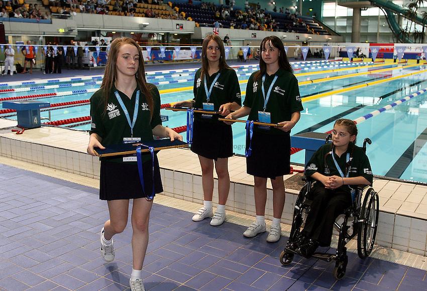 Photo: Paul Thomas..VISA Paralympic World Cup 2007. Swimming. 12/05/2007...Medal presentation ceremony.