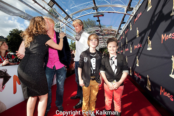 Utrecht, 29 september 2012.Nederlands Film Festival 2012, NFF.Premiere en rode loper Mees Kees.Brent Thomassen met zusje.Foto Felix Kalkman