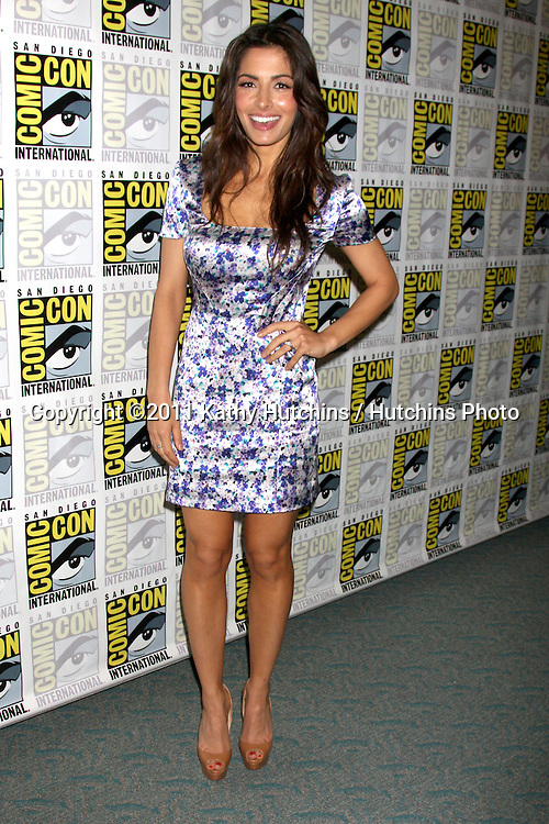 SAN DIEGO - JUL 21:  Sarah Shahi at the 2011 Comic-Con Convention at San Diego Convetion Center on July 21, 2010 in San DIego, CA.