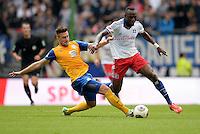 FUSSBALL   1. BUNDESLIGA   SAISON 2013/2014   4. SPIELTAG Hamburger SV - Eintracht Braunschweig                  31.08.2013 Ermin Bicakcic (li, Eintracht Braunschweig) gegen Jacques Zoua (re, Hamburger SV)